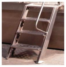 Лестница из нержавеющей стали или оцинкованного металла